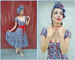 Amura Y. - H&M Red&Blue Flowers Printed Dress, Red Beads Feet Bracelet - Restless Barefoot