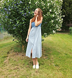 Charlotte Cocopop - Vintage Dress, H&M Shoes - Pure