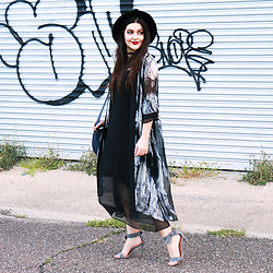 Carly Maddox - Dezzal Slip Dress And Kimono - Flowing Layers