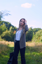 Lauren Wilson - Topshop Blazer, Miss Selfridge Top, Marks & Spencer Jeans, Zara Bag - Work hard workwear