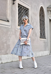 Esra E. - Zara Blue Striped Printed Blouse, Zara Blue Striped Printed Midi Skirt, Zara White Leader Mid Heel Boots, Zara Clutch - Blue coord
