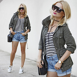 Daria Darenia - Zaful Black Glasses, Levi's® Denim Shorts - Parka