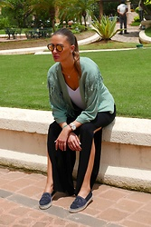 Amina Allam - Byaa Aya Fring Jacket, Byaa Tessa Slit Pants - Endless options with good basics