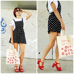 Mi Vida En Rojo - Miss Selfridge Jumpsuit, Mi Vida En Rojo Tote Bag, Cuplé Shoes, Mi Vida En Rojo Tshirt - Kisses & Dots