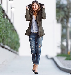 Giuliana ♡ - Zara Black Pumps, Express Boyfriend Jeans, Salvatore Ferragamo Belt, Zara Winter Jacket, Zara Tee, Luciana Canale Long Choker - Comfy And Casual