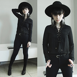 Lidia Zuin - Asos Wide Brim Black Hat, Sheinside Black Lace Up Rolled Sleeve Blouse, Topshop Black Skinny High Waisted Pants, Office Black Chunky High Heel Boots - Ghost riders in the sky