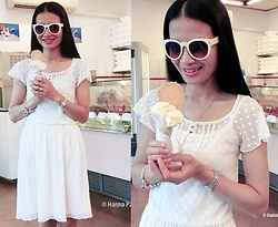 Hanna From HOLLAND - Promod Dress, Soufeel Charms, Swiss Watch, Ketting, White Sunglasses - Italian homemade ice cream in gelateria artigianale