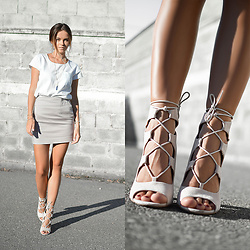 Tamara Bellis - Simmi Shoes Sexy Heels, H&M T Shirt, Incity Grey High Waist Mini Skirt - Nude Attack