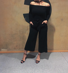 Meis Saad - Bik Bok Top, Gina Tricot Choker, Zara Pants, H&M Shoes - Black on Black