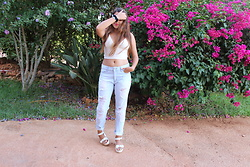 Ana Margarida - Zara Top, Stradivarius Ripped Jeans, Seaside Shoes - ILLEGALLY