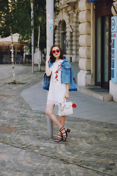 Andreea Birsan - Red Sunglasses, Lace Embroidered Dress, Denim Jacket, White Crossbody Bag, Strappy Sandals - Lace dress & denim jacket II