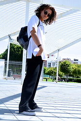 Enea Nastri - Pull & Bear Sunglasses, Giorgio Armani White Oversized T, Calvin Klein Black School Bag, Mango Palazzo Pants, Primark Flatforms - Back to school