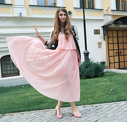 Alexandra M. - Gamiss Pink Pleated Dress, Gamiss Pink Suede Pumps, Gamiss Star Silver Anklet - Gamiss dress