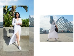 Tneale Williams - Dtw White Wrap Dress, White Sneakers, Michael Kors Handbag - #DTWtravels: How Louvrely