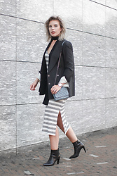 Rowan Reiding - Asos Striped Midi Dress, Asos Long Skinny Scarf, Zara Baby Blue Quilted Cross Body Bag, Maison Martin Margiela For H&M X Blazer - FROM BEACH TO CITY DRESS