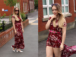 Emma Reay - Zaful Pink Western Belt, Shein Burgundy Floral Playsuit, Zaful White Choker - The Last of the Summer Florals