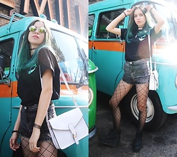 Ola Brzeska - Cndirect White Bag, Thend Apparel Alien Tew, Bershka High Waist Shorts, Cndirect Fishnet Tights, Altercore Heeled Boots - Holo alien