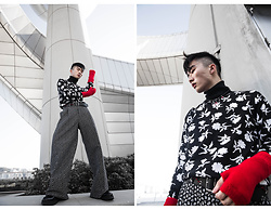 Jocelyn Yih - Dior Homme Lacquer And Palladium Finish Necklace, Dior Homme Knitwear Black And White, Dior Homme Trousers Straight Cut, Black And White, Dior Homme Black Leather Belt, Christian Dior Black Leather Boot - DEFINITION