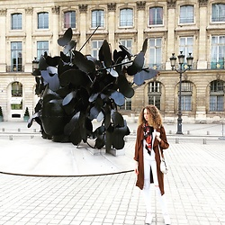 Angie Cléret - Mango Trench, Moa Bag, Moa Scarf, Reebok Shoes, Levi's® Jean - Afterwork at Place Vendôme