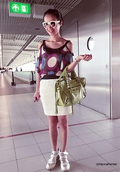 Hanna From HOLLAND - Sweetgirl Offshoulder Shirt, Made In Italy Genuine Leather Green Bag, Zara Skirt, Soufeel Charms - Airport look