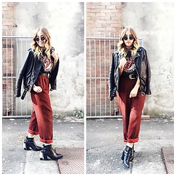 Bryn Newman (Stone Fox Style) - Vintage Pants, Tony Bianco Pointed Toe Chelsea Boot, Belt, Vintage Rolling Stones Tee - I see a red door...