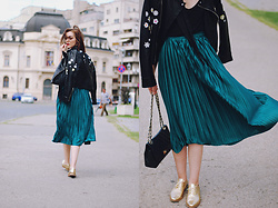 Andreea Birsan - Black Cami, Green Pleated Midi Skirt, Embroidered Leather Jacket, Crossbody Bag, Gold Metallic Oxford Shoes, Skinny Scarf - Green midi skirt & embroidered leather jacket: fall outfit
