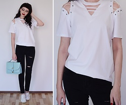Kary Read♥ - T Shirt - White T-shirt♥