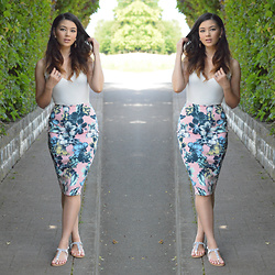 Raspberry Jam - Boohoo Tropcial Floral Midi Skirt, Boohoo Scallop Body, Primark Flat Sandals - Tropical Floral Midi Skirt