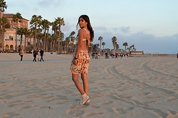 Maria P - Goldie London Open Back Printed Dress, Converse White High Top Sneakers - Santa Monica