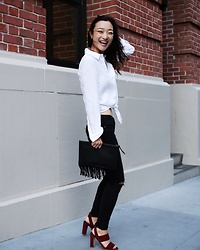 Qianwen Chen - Madewell White Shirt, Dahong Black Jeans, Madewell Octavia Sandal - Simple Happiness