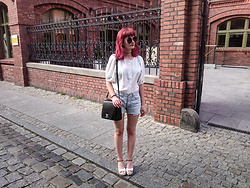 Karolina K - Ichi Blouse, Lee Shorts, Kylie Crazy Espadrille Wedges, Vintage Bag - Indian Summer