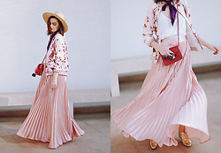 Andreea Birsan - Straw Hat, Red Crossbody Bag, So Real Sunglasses, White Cami, Printed Bomber Jacket, Blush Pink Maxi Skirt, Gold Metallic Shoes - Bomber jacket & maxi skirt: how to transition summer itemsII