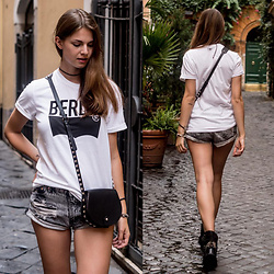 Jacky - Levi's® T Shirt, Glamorous Shorts, Rebecca Minkoff Bag - Rome Travel Outfit No. 1
