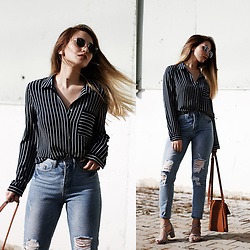 Melike Gül - Koton Button Up, Sheinside Jeans, Asos Block Heels - Striped Button Up
