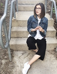 Aleksa Goldfield Rodrigues - Movv Velvet Choker, Anthropologie Denim Jacket, Joe Fresh White T Shirt Blouse, Aritzia Culottes, Adidas Superstar Sneakers - Comfiest in my culottes and sneakers