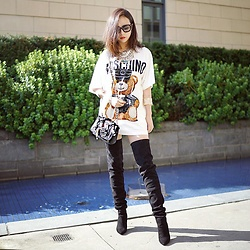 Shelly LIU - Moschino Shirt, Balmain Boots - MOSCHINO