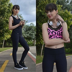 Diana Schneider - Do Love Fitness Emana Legging, Coke Sneaker - Wellness