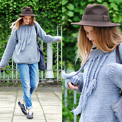 Ryfka (Szafa Sztywniary) - Bytom Fedora Hat, Vłóka Handmade Merino Wool Fringe Sweater, Lee Boyfriend Jeans, Tommy Hilfiger Sneakers, Bags By May Shopper Bag - Sweater weather