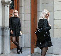 Manon Dijkhuizen - Gamiss Dress, Gamiss Backpack - Not Dots but Squares