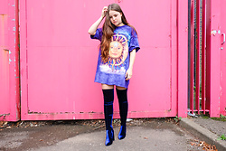 Amelia Breading - The Mountain Sun & Moon Shirt, Public Desire Navy Velvet Thigh High Boots - SUN MOON