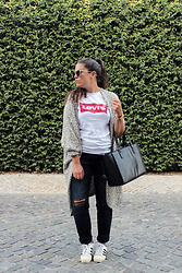 Joana Sá - Rosegal Sunglasses, Primark Cardigan, Levi's® T Shirt, Fossil Watch, Parfois Bag, Zara Jeans, Adidas Sneakers - Repeat