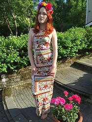 Minni Välipakka - H&M Dress, H&M Flowers - Garden Party