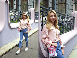 Alina Velnikovskaya - Puma White Sneakers, Twinkledeals Blue Mom Jeans, Twinkledeals Puff Sleeve Blouse, Twinkledeals Milk Bag - Tenderness