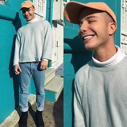 George Genesis - Cheap Monday Wool Sweater, American Apparel Vintage Jeans, Stussy Light Cap - Just do it and smile