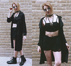 Vanessa - Dresslily Top, Zaful Shorts - All Black Tuesday