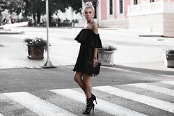 Krist Elle - Twinkledeals.Com Black Off Shoulder Dress, Oceanfashion.Com Fringed Small Bag, Solewish.Com Black Plait Sandals - Off shoulder dress 2016