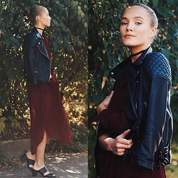 Petra Karlsson - Zaful Dress, Choker, Bag - Autumn