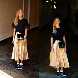 Frederique - fablefrique.com -  - Satin skirt, boxy shirt