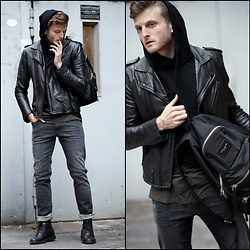 Stilysto By Andrzej S. - Alberto Jeans - The Gray / Black Look