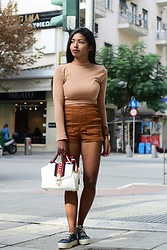 Konstantina Antoniadou - H&M Sneakers - Blogged! 2 shades of brown